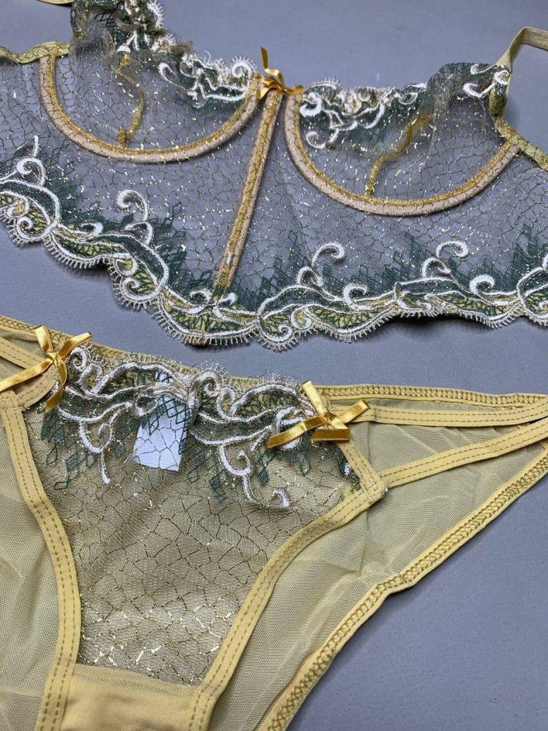 ست طلایی لباس زیر زنانه